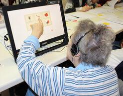 Uso del pc touch in struttura per anziani